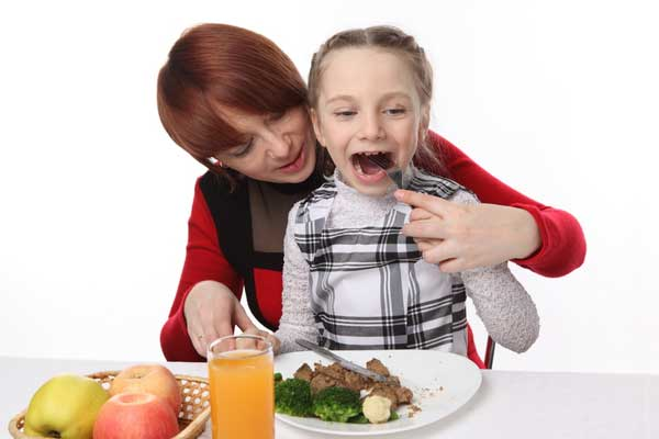 How to Help Kids Taste New Foods?