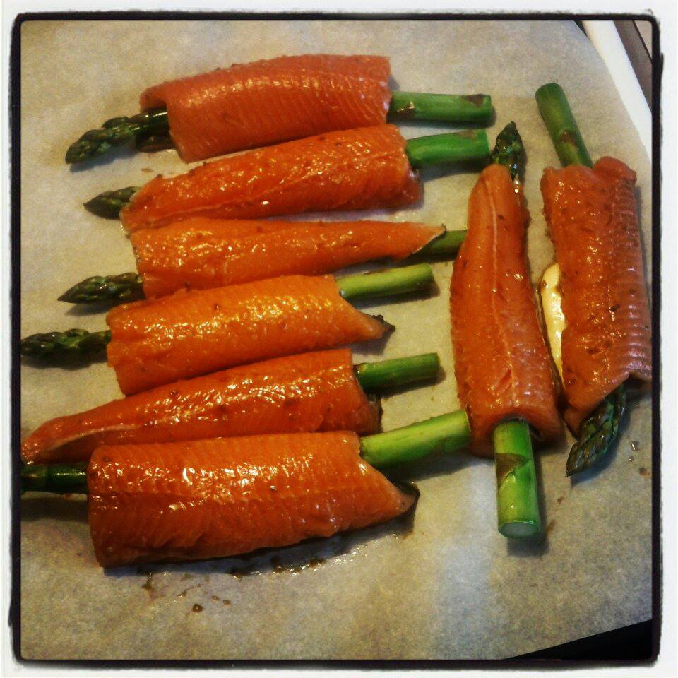 Baked Rainbow Trout Fillets with Asparagus